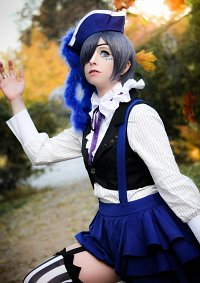 """Cosplay-Cover: CIel Phantomhive """"Smile"""" [Book of Circus]"""