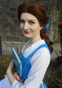 Cosplay-Cover: Belle ~ Blue Dress