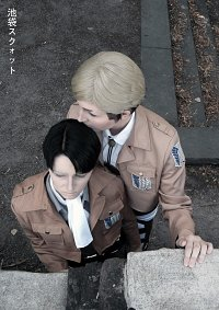 Cosplay-Cover: Erwin Smith [Uniform]