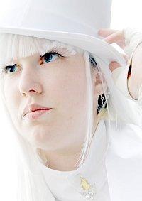 Cosplay-Cover: Weißer Pfau