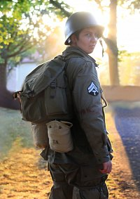 Cosplay-Cover: Doc Eugene G. Roe [Band of Brothers]