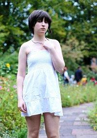 Cosplay-Cover: Iwakura Lain [White Dress] - 岩倉玲音 [白いドレス]