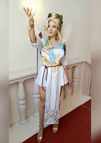 Cosplay-Cover: Winged Victory Mercy
