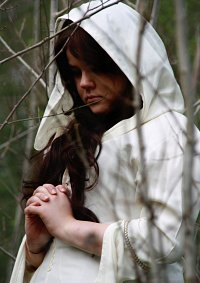 Cosplay-Cover: Kahlan Amnell  •  White Dress •