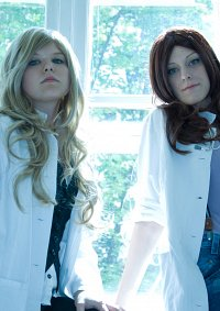 Cosplay-Cover: Dr. Allison Cameron