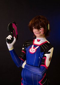 Cosplay-Cover: D.Va [male]