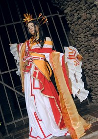 Cosplay-Cover: China [Chess Artwork | White Queen]