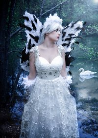 Cosplay-Cover: Swan (white to black Transformation)