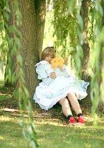 Cosplay-Cover: Card Captor Sakura (Alice im Wunderland-Outfit)