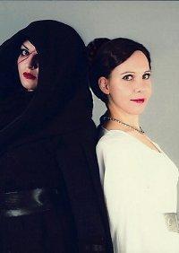 Cosplay-Cover: Princess Leia [Ceremonial dress]