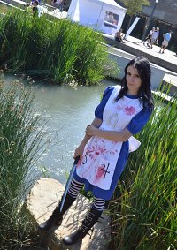 Cosplay-Cover: Alice Classic Dress