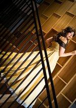 Cosplay-Cover: Belle [Golden Dress]