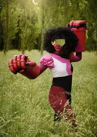 Cosplay-Cover: Garnet