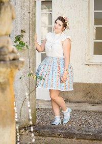 Cosplay-Cover: Jugenstil-Lolita-Outfit