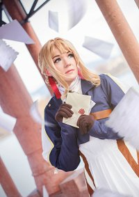 Cosplay-Cover: Violet Evergarden [Auto Memoires Doll Dress]