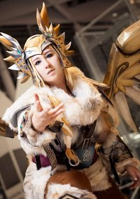 Cosplay-Cover: Mercy ᘟ Valkyrie