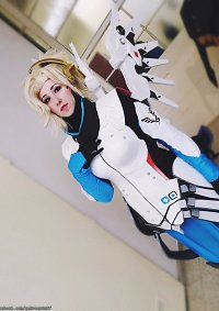 Cosplay-Cover: Mercy ᘟ Celestial
