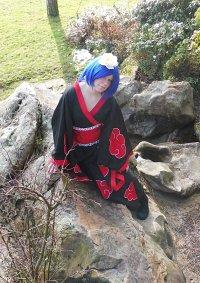 Cosplay-Cover: Konan im Kimono