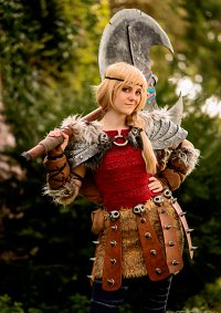 Cosplay-Cover: Astrid Hofferson (HTTYD 2)