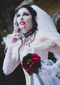 Cosplay-Cover: Vampire Bride