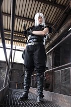 Cosplay-Cover: Sephiroth (Soldier Outfit)