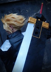 Cosplay-Cover: Cloud Strife (G-Bike)