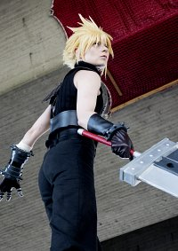 Cosplay-Cover: Cloud Strife FF7 REMAKE