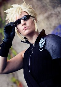 Cosplay-Cover: Cloud Strife [AdventChildren]