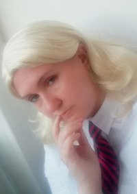 Cosplay-Cover: Hilary Wenworth