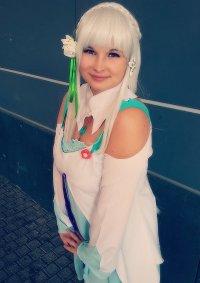 Cosplay-Cover: Emilia (grünes Kleid)