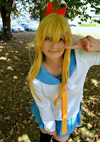 Cosplay-Cover: Chitoge Kirisaki [Schul-uniform]