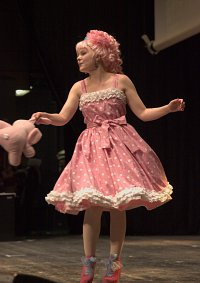 Cosplay-Cover: Miwako Sakurada ~Childdress~