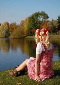 Cosplay-Cover: Candy White Adley (kariertes Kleid)