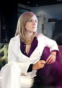 Cosplay-Cover: Camus [white suit]