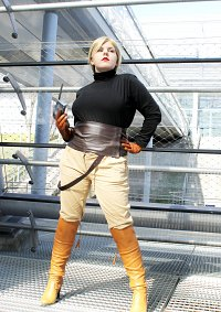 Cosplay-Cover: Helga Katrina Sinclaire (Expeditions Outfit)