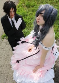 Cosplay-Cover: Ciel Phantomhive [Dress Version]