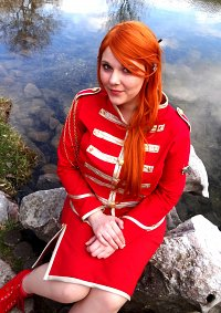 Cosplay-Cover: Orihime Inoue [Red Military Dress]
